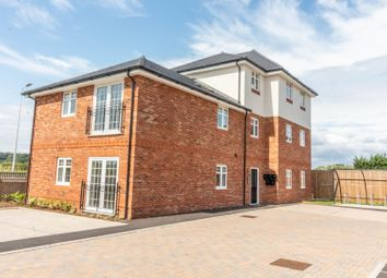 Thumbnail 1 bedroom flat for sale in Flat 4 Gilbert Close, Padworth, Reading