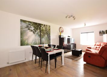 Thumbnail 2 bedroom flat for sale in Rainbow Road, Erith, Kent