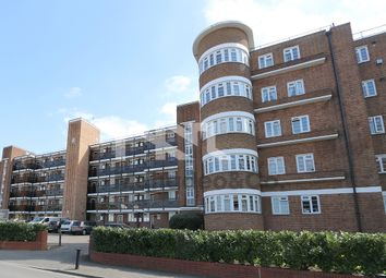 Thumbnail 1 bed flat to rent in Glenbuck Road, Surbiton
