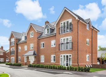 Dove Close, Crowthorne, Berkshire RG45. 1 bed flat