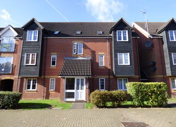 Thumbnail 2 bed flat to rent in Harbury Court, Newbury, Berkshire