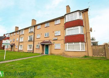 Thumbnail 2 bedroom flat for sale in Chadwell Avenue, Cheshunt, Waltham Cross