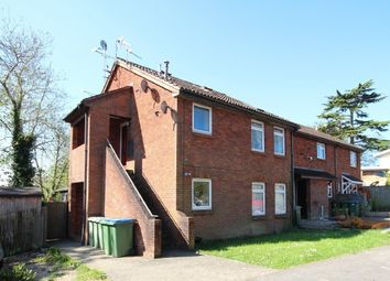 Thumbnail 1 bed flat to rent in Kingslea, Horsham