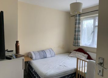 2 bed maisonette to rent in Glenwood Close, Harrow-On-The-Hill, Harrow HA1