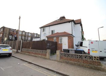 Thumbnail Studio to rent in Elton Avenue, Wembley