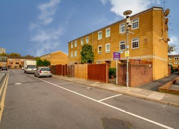 2 bed maisonette to rent in Buttermere Walk, London E8