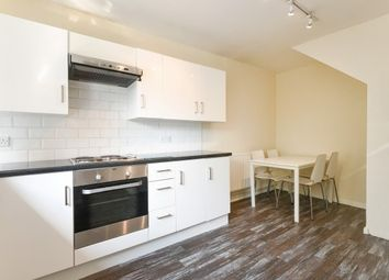 Thumbnail 4 bedroom flat to rent in Culvert Road, London