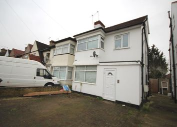 Thumbnail 1 bed flat to rent in Laneside, Edgware, Middlesex