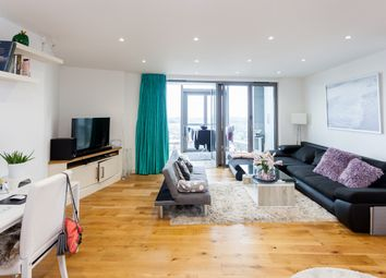 Thumbnail 2 bed flat to rent in Brentford, Kew