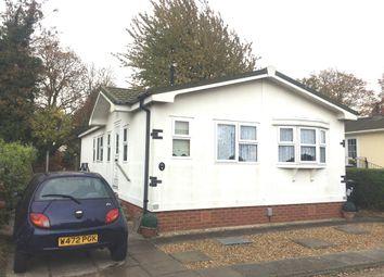 Thumbnail 2 bedroom mobile/park home for sale in Hillcrest Park, Wilbury Hills Road, Letchworth Garden City