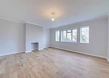 Thumbnail 2 bed flat to rent in High Road, Whetstone, London