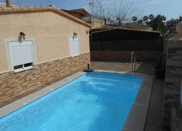 Thumbnail 5 bed chalet for sale in Calle Luxemburgo, Spain
