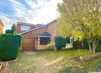 Thumbnail 4 bed detached house to rent in Camm Gardens, Thames Ditton