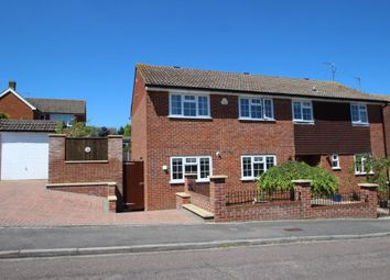 Thumbnail 4 bed detached house for sale in Gorselands, Tadley