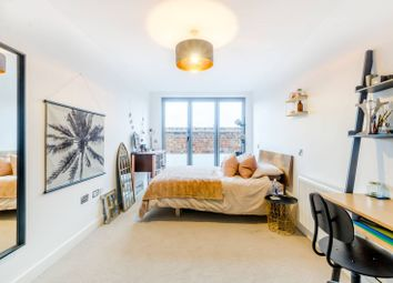 Thumbnail 3 bed flat to rent in Queens Row, Elephant And Castle, London
