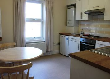 Thumbnail 2 bedroom flat to rent in A Fully Refurbished Two Bedroom Flat, In Excellent Conditon, Reading