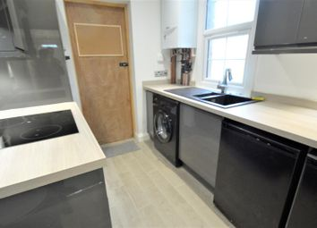 Room to rent in Corporation Road, Gillingham ME7