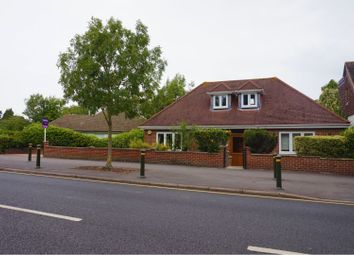 3 bed detached bungalow for sale in Ravenswood Crescent, West Wickham BR4