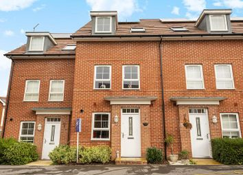 3 bed town house to rent in Wellstead Way, Hedge End, Southampton SO30