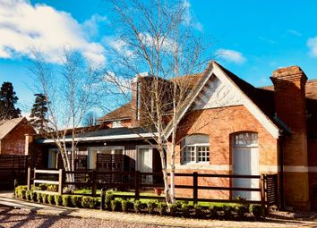 2 bed flat for sale in Upper Skilts, Gorcott Hill, Beoley, Redditch B98