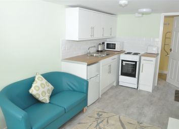 Thumbnail 1 bed property to rent in Beacon Road, Falmouth