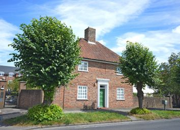 Thumbnail 3 bed detached house to rent in Broyle Road, Chichester