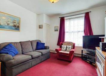 Thumbnail 3 bedroom flat for sale in Lant Street, Borough, London