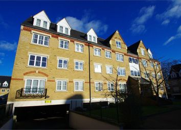 2 bed flat to rent in Badminton House, Anglian Close, Watford WD24