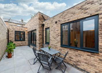 Stroud Green Road, London N4. 2 bed link-detached house for sale