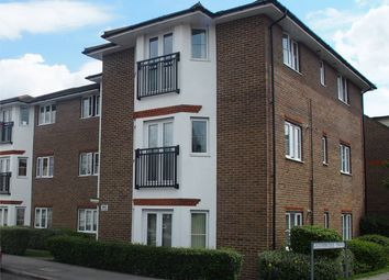 Thumbnail 2 bed flat to rent in Castlemaine Avenue, Gillingham
