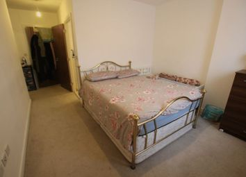 Thumbnail Room to rent in Handley Page Road, Barking