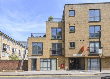 Thumbnail 2 bed flat to rent in Barnet Grove, Bethnal Green