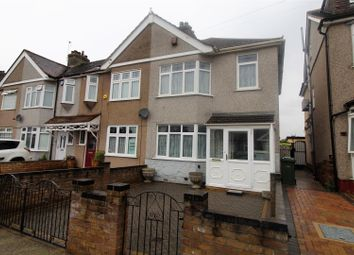 Eastwood Drive, Rainham RM13. 3 bed end terrace house