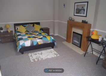 Room to rent in Stanley Drive, Newcastle Under Lyme ST5