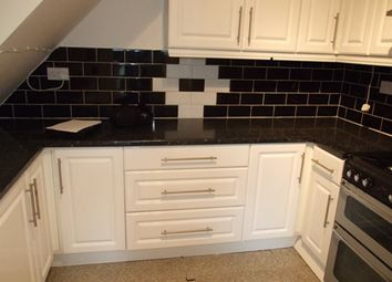 Thumbnail 4 bedroom flat to rent in Roman Road, Bethnal Green