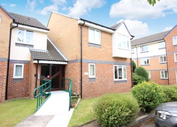 Thumbnail 2 bed flat for sale in Sandbed Lawns, Crossgates, Leeds