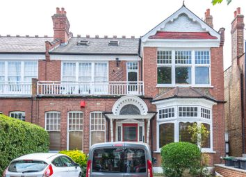 Thumbnail 2 bedroom flat to rent in Queens Avenue, Muswell Hill