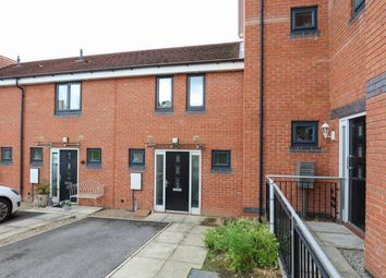 3 bed town house to rent in Oxclose Park Rise, Halfway, Sheffield S20