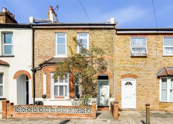 Park End, Bromley BR1. 2 bed terraced house