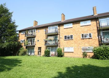 Thumbnail 2 bed flat to rent in Briery Way, Adeyfield, Hemel Hempstead