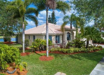 Thumbnail 4 bed property for sale in 2620 Oakbrook Ln, Weston, Florida, United States Of America