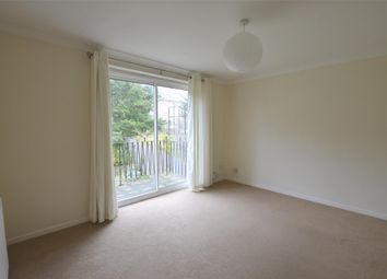 Thumbnail 2 bedroom flat to rent in Oxford Road, Redhill