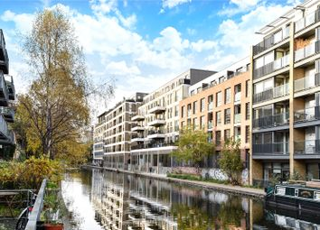 Thumbnail 1 bed flat for sale in De Beauvoir Crescent, London