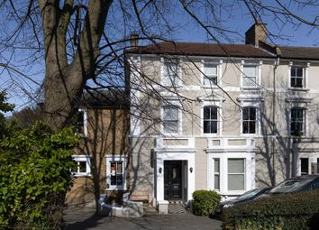 Westwood Hill, Sydenham SE26. 2 bed flat for sale