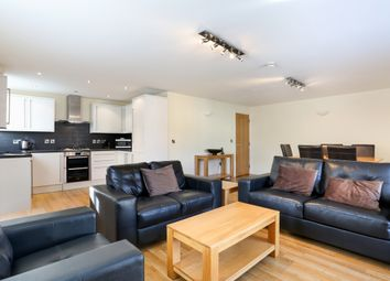 Thumbnail 2 bed flat to rent in William Street, Windsor