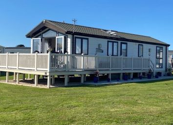 Hoburne Naish Holiday Park, Christchurch Road, New Milton BH25. 2 bed mobile/park home for sale