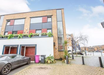 Thumbnail 3 bed property to rent in Basin Approach, London