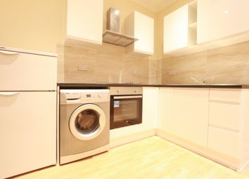 Thumbnail 3 bedroom flat to rent in Oakfield Road, Croydon