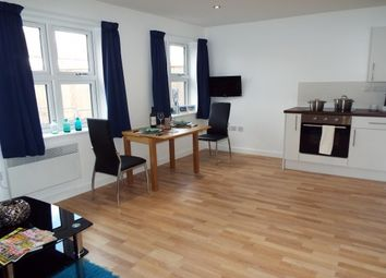 2 bed flat to rent in Markfield Court, Leicester LE4