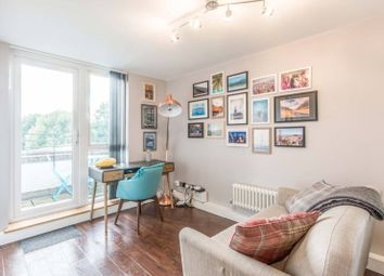 Thomas More Street, Tower Hamlets, London E1W. 1 bed flat